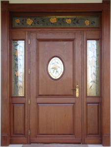 drzwi drewniane wielosegmentowe